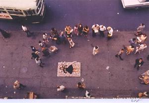 細江英公「草間彌生ハプニング#2 NY 1964年」写真