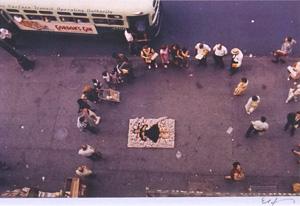 細江英公「草間彌生ハプニング#6 NY 1964年」写真