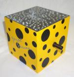 草間彌生「ミラーボックス:黒」オブジェ14×16.2cm