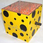 草間彌生「ミラーボックス:赤」オブジェ14×16.2cm