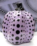 草間彌生「かぼちゃ(紫・黒)」リモージュ9×8cm