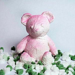 ダニエル・アーシャム「Pink Cracked Bear」オブジェ